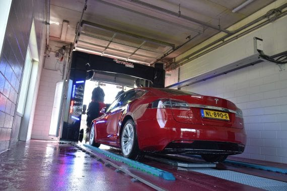 Carwash Brummen Tesla (©Carwash-Marketing.nl)